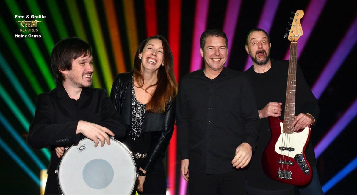 Schlagerband buchen - Tanzband buchen - HIGHLIVE die Partyband mit Tanzmusik für Stadtfeste, Dorf- und Schützenfeste in NRW.