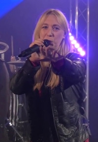 Lisa Napierala, Sängerin bei der Tanz- Party- und Coverband Highlive aus Dortmund in NRW.