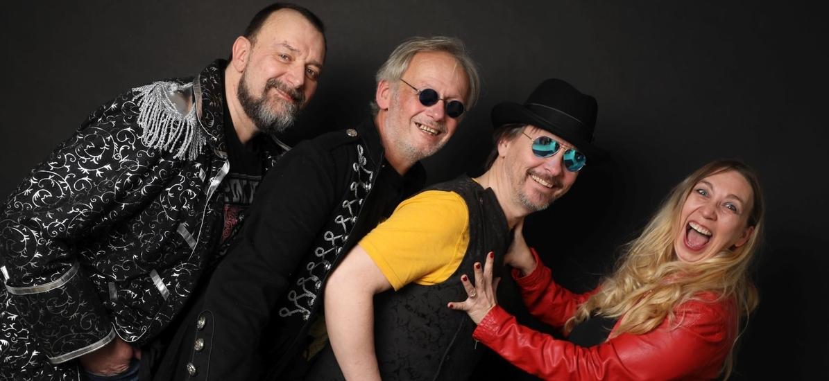 Partyband Coverband Tanzband Schlagerband NRW - Lisa Napierala, Frank Napierala, Tom Schmitz, Dirk Rosenbaum.
