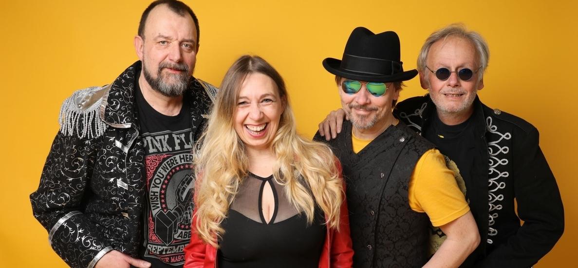 Coverband Rockband Top40 Band NRW - Lisa Napierala, Tom Schmitz, Frank Napierala, Dirk Rosenbaum.