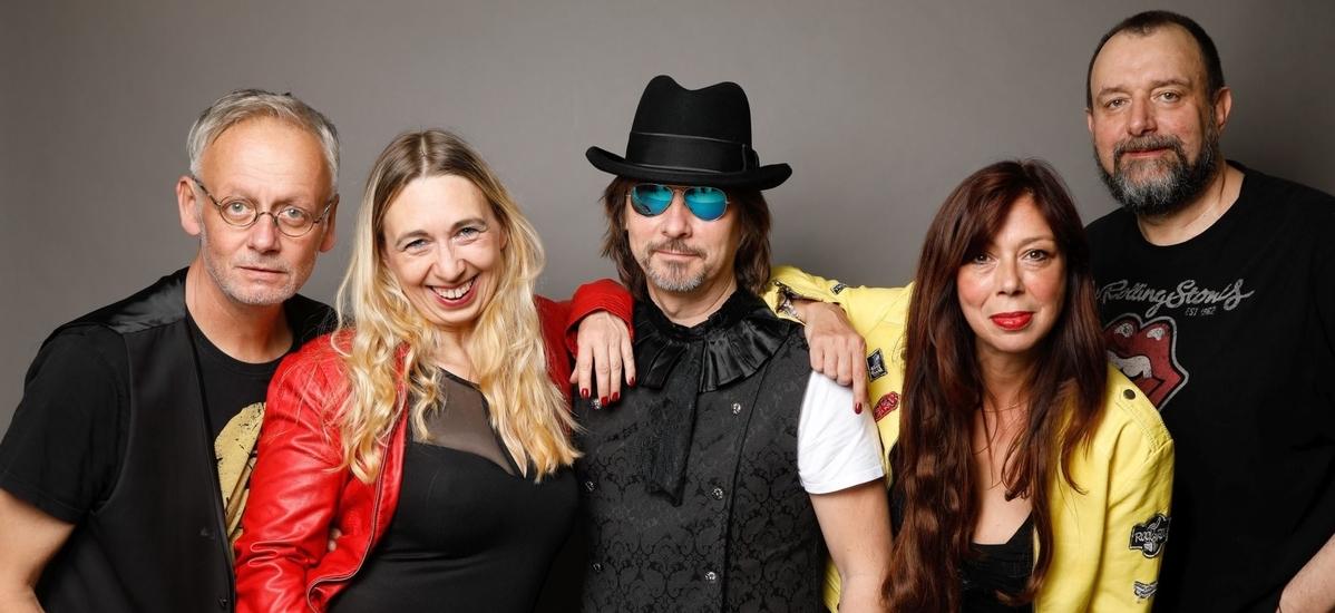 Partyband & Coverband NRW - vlnr. Frank Napierala, Lisa Napierala, Dirk Rosenbaum, Eva Kehm Seyffarth, Tom Schmitz.